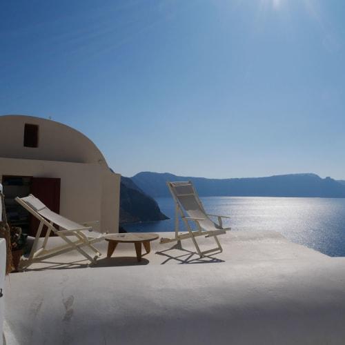 こんな所で日がな一日ゆったり過ごせたら最高 | サントリーニ島
