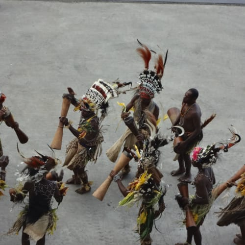 アロタウ (パプアニューギニア) 見送りのダンス | アロタウ