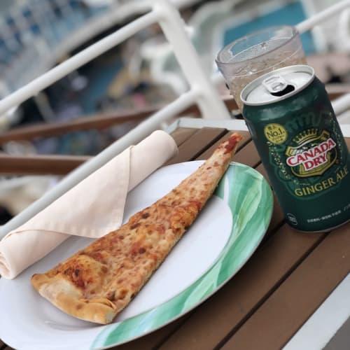お気に入りのピザとジンジャエール❤️ | 客船ダイヤモンド・プリンセスのフード&ドリンク、船内施設