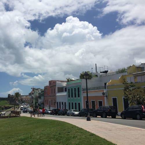 サンフアン(プエルトリコ島)の旧市街。港から歩いて行かれます。 | サンフアン(プエルトリコ島)