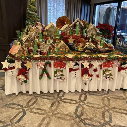 下船前日にはブッティック付近にクリスマスの飾り付けが登場しました。 | 客船シィレーナのアクティビティ、船内施設
