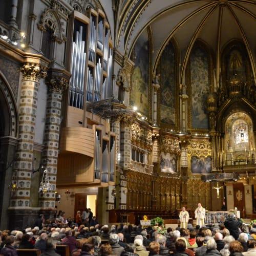 修道院でのミサの様子 | バルセロナ