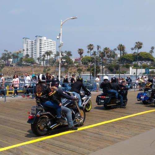 船を降りて、サンタモニカの埠頭を散歩。   ロングビーチ