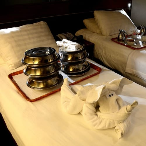 帰船は22:00デイナーのルームサービス | 客船ニュー・アムステルダムの客室、フード&ドリンク