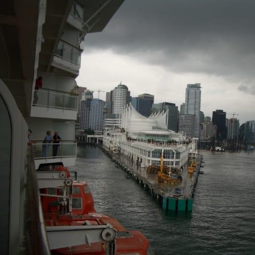 出港 カナダプレイス バンクーバー | バンクーバー(ブリティッシュコロンビア州)での客船セレブリティ・インフィニティ