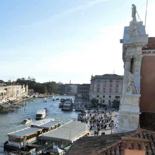 眼下のカナル・グランデを眺めながらのウェルカム・シャンパンは最高でした | ヴェネツィア