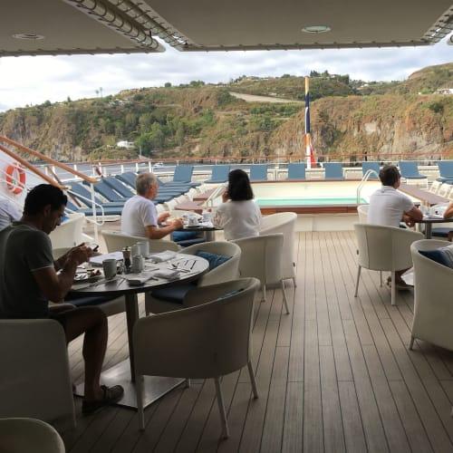 客船ル・リリアルの乗客、船内施設