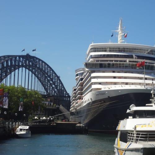 シドニーでの客船クイーン・エリザベス