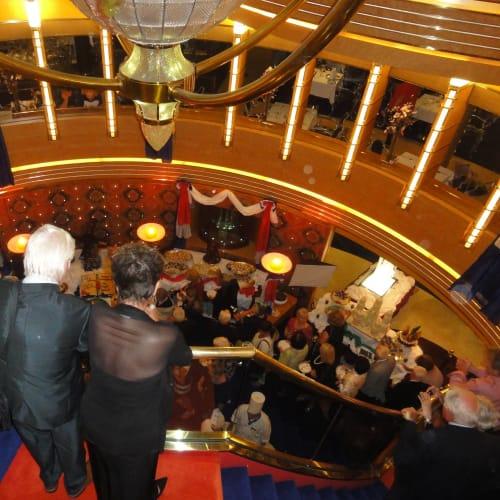 客船オーステルダムの乗客、船内施設