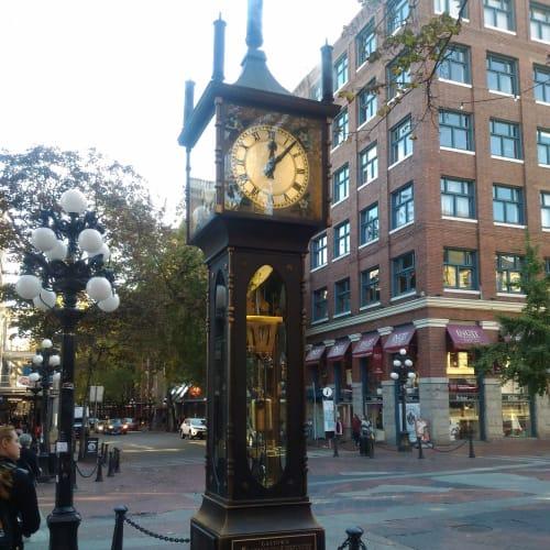 バンクーバー市街。有名な蒸気時計。 | バンクーバー(ブリティッシュコロンビア州)