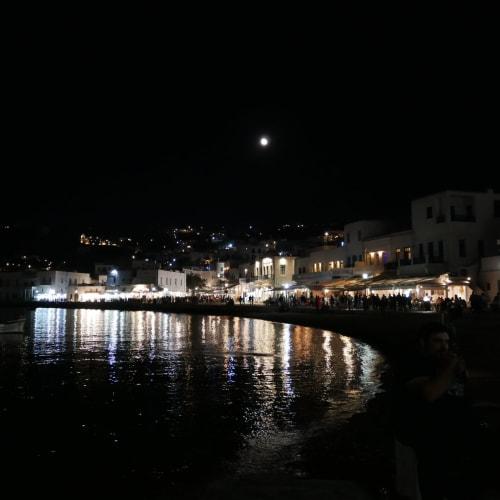 オールド・ポートの夜空には満月 | ミコノス島