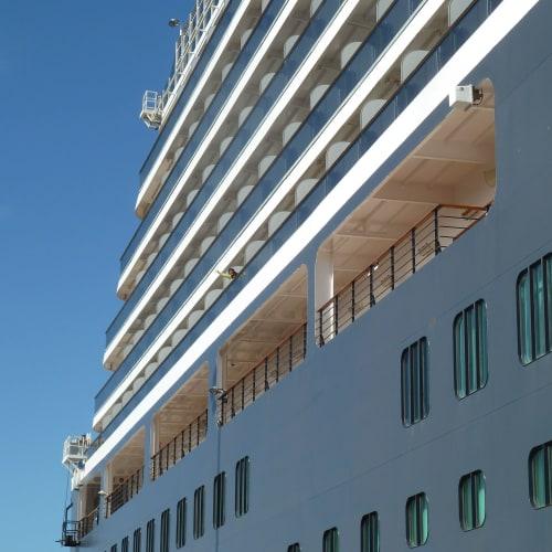 アップグレードでバルコニー付きのステートルーム | 客船クイーン・ヴィクトリアの外観