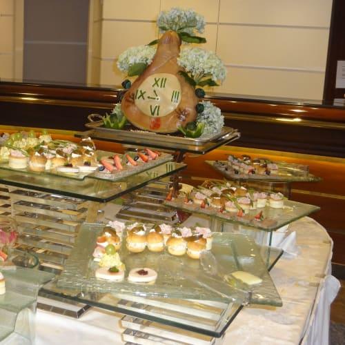 ガラパーティーのデザート | 客船クリスタル・シンフォニーのブッフェ、フード&ドリンク、アクティビティ