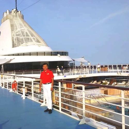 客船マリーナの乗客、船内施設