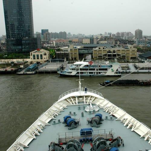 船体ターン開始 | 上海での客船レジェンド・オブ・ザ・シーズ