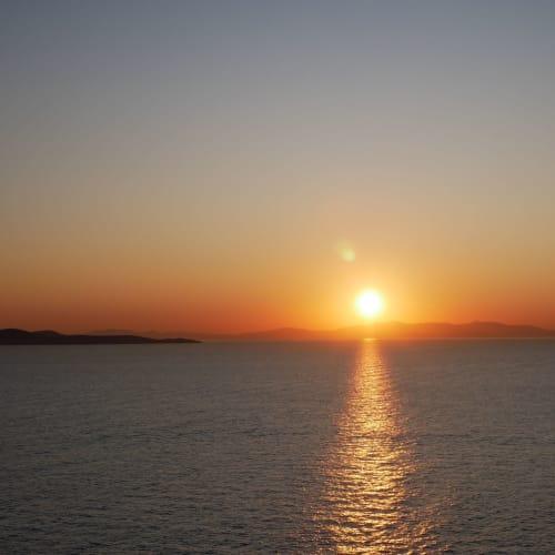 やがて夕陽はオレンジ色に | サントリーニ島