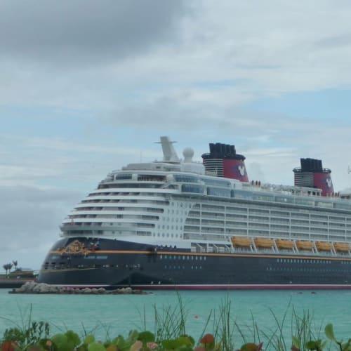 客船ディズニー・ドリームの外観