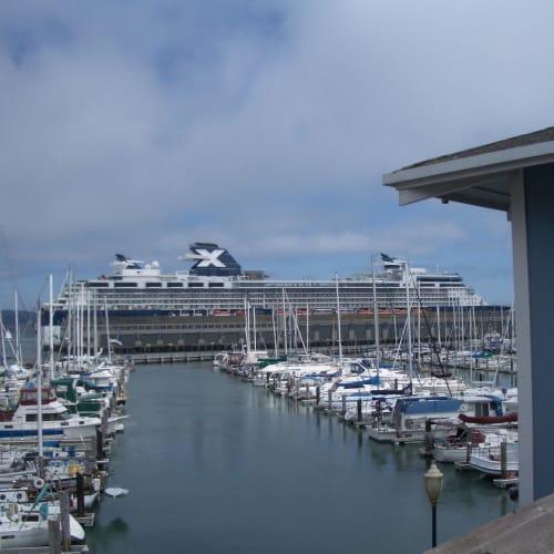 サンフランシスコ | サンフランシスコ(カリフォルニア州)での客船セレブリティ・インフィニティ