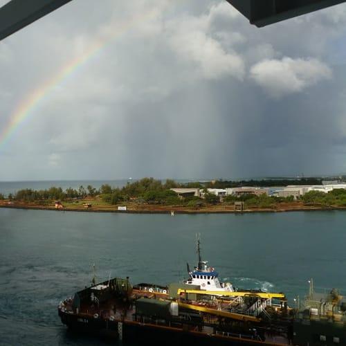 ハワイは虹を見ることが多い。出航の時にも見たけど、ホノルルに戻った時にも虹が出ていました。 | ホノルル