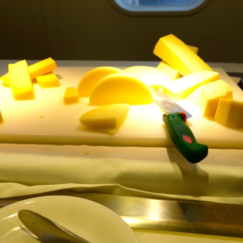 ブッフェのチーズ | 客船コスタ・ネオロマンチカのブッフェ、フード&ドリンク