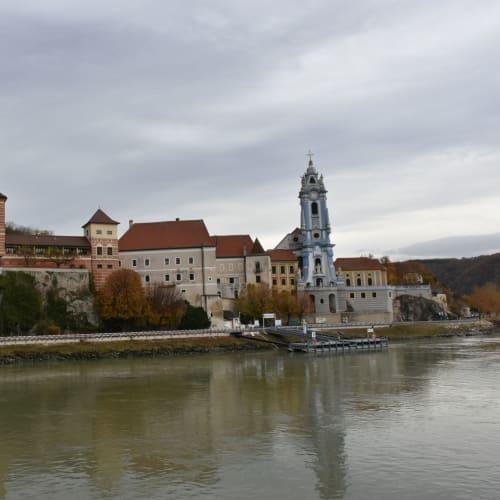 ヴァッハウ渓谷の名所デュルンシュタインの町