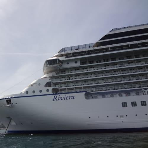 ソレント (イタリア) 停泊 | ソレントでの客船リビエラ