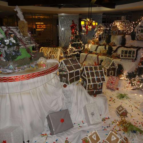 クリスマス デコレーション | 客船セレブリティ・コンステレーションのフード&ドリンク、船内施設