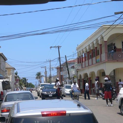 ジャマイカ 港付近の街並み。   ファルマス
