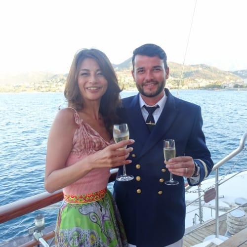 イケメン副船長。   客船ル・ポナンの乗客、クルー、船内施設
