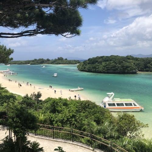 ランチの後は川平湾へ。 快晴だったのでめちゃくちゃ美しくてテンション上がりました!   石垣島