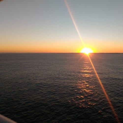 太平洋に沈む夕日。贅沢なひととき。