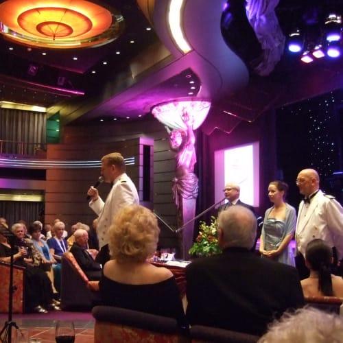リピーターズパーティー | 客船アムステルダムのクルー、アクティビティ、船内施設