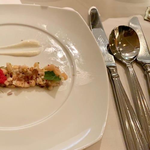 メインレストランの前菜。