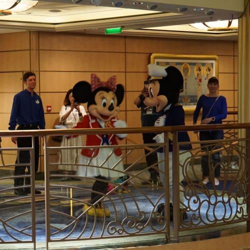 何人かのキャラクターと会いました | 客船ディズニー・ファンタジーのアクティビティ、船内施設