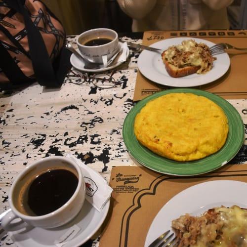 スペイン風オムレツとポークのトーストの昼食。 | ア・コルーニャ