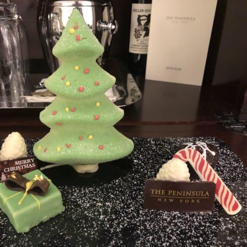 翌日にはホテルの部屋にクリスマスデコレーションのチョコレートが。   ケープ・リバティ(ニューヨーク)