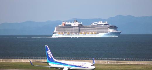 8月20日(月) 中部国際空港沖合いに、世界最大級のクルーズ客船がやってくる!