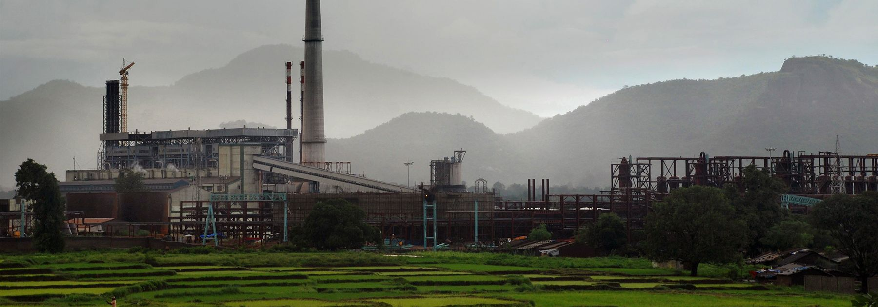 A general view of the Vedanta aluminum refinery at Lanjigarh. (STRDEL/AFP/Getty Images)