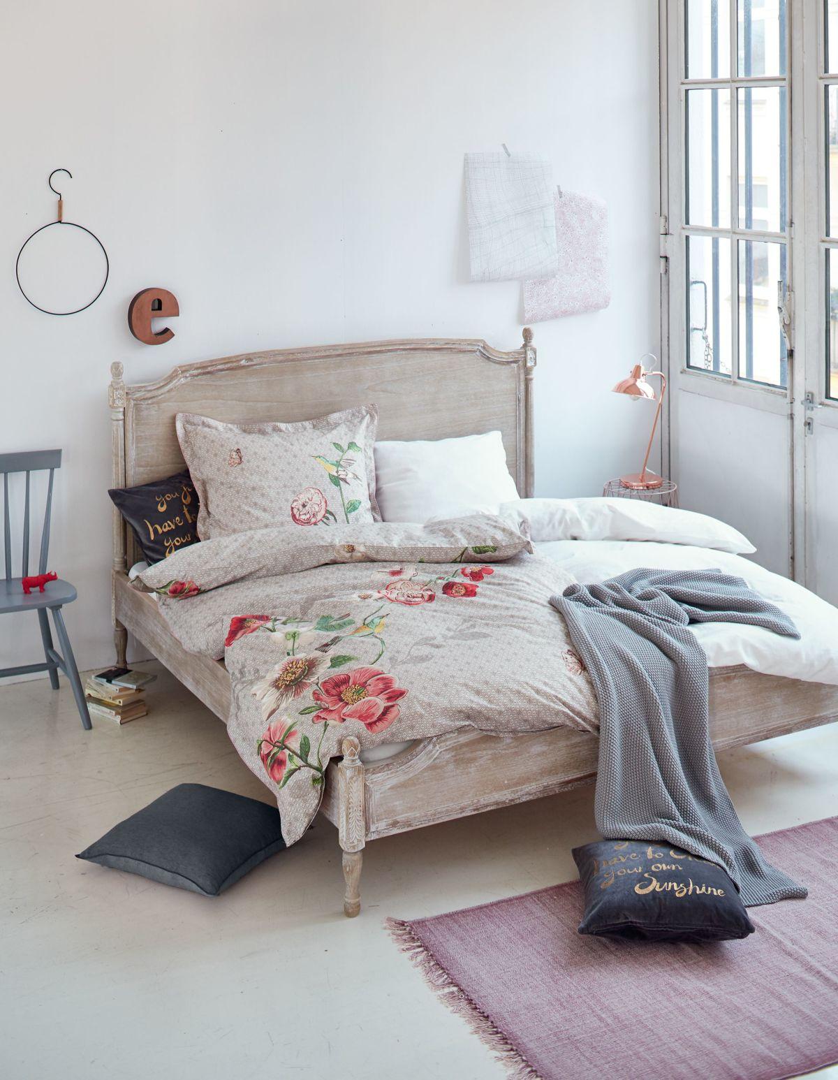bett shabby chic shabby chic bett weiss betten house und dekor galerie bett shabby chic. Black Bedroom Furniture Sets. Home Design Ideas