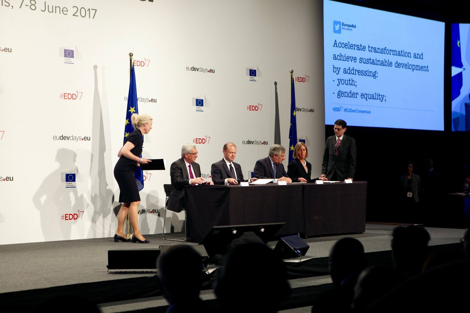 Moving forward - European Consensus on Development