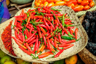 In Rwanda, farmers are supplying Urwibutso Enterprise with chili for processing into chili pepper oil for global export