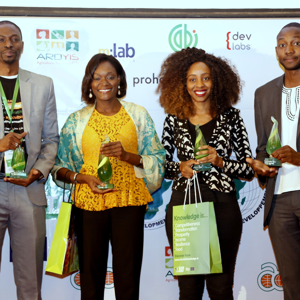 Pitch AgriHack winners supported by Ernst & Young in Senegal