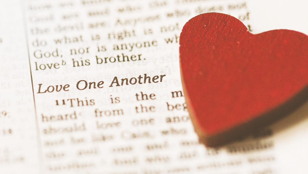 5 Bible Memory Verses for Kids About Love