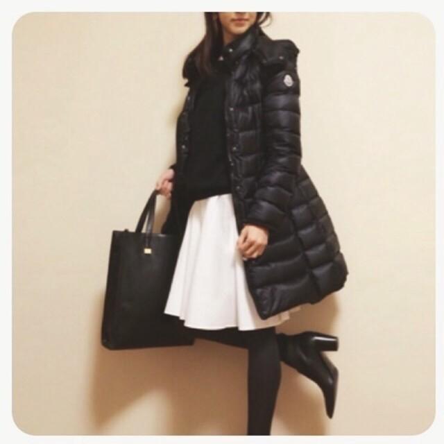 ブラックのダウンコート
