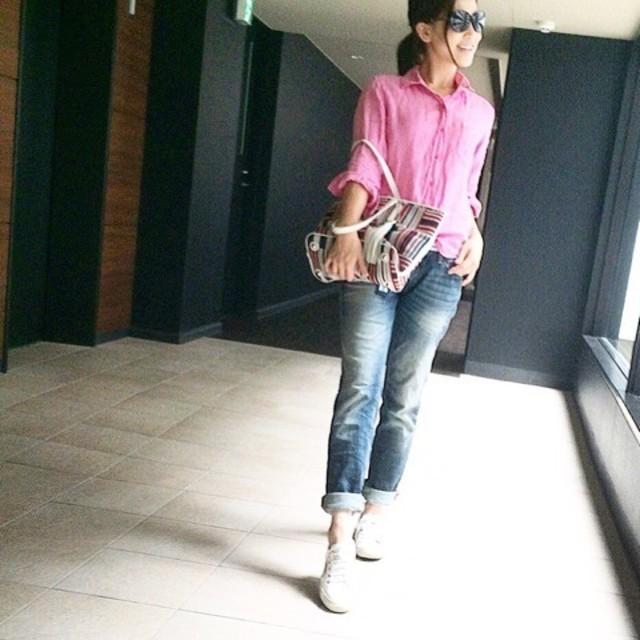 ピンクリネンシャツ×ボーイフレンドデニムで大人可愛いスタイリング♪