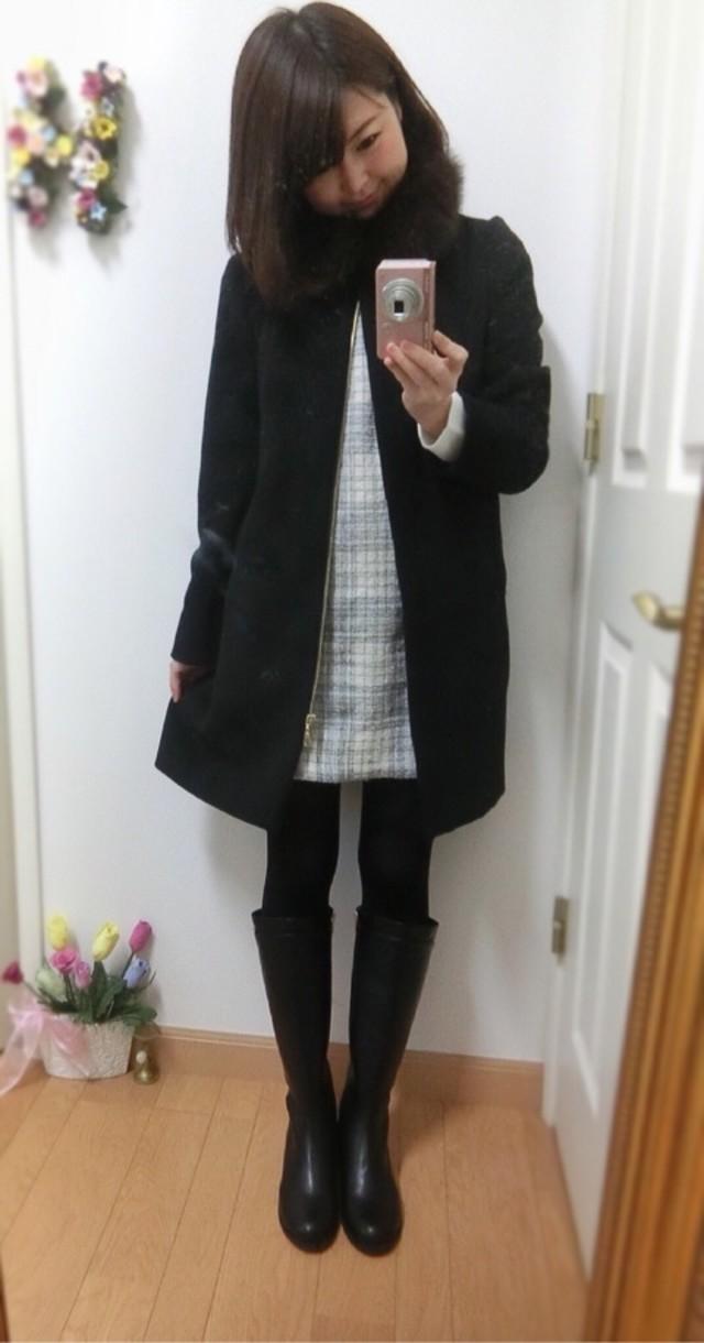 ブラックコート×ロングブーツ♡