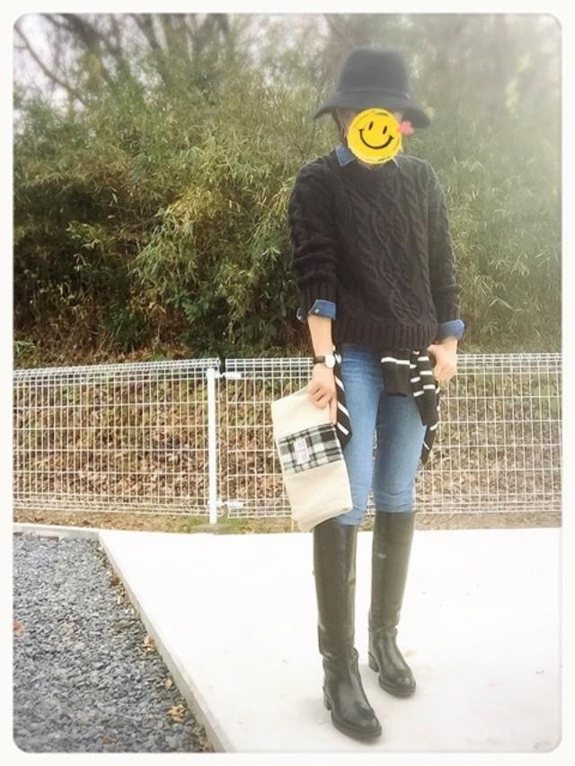 まだまだ寒さが気になるという日はデニムにロングブーツを合わせてあったかカジュアルに♪