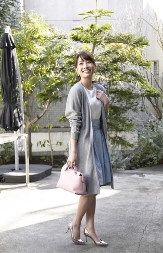 きれいなカラーのスカートで春っぽさを更にUP!