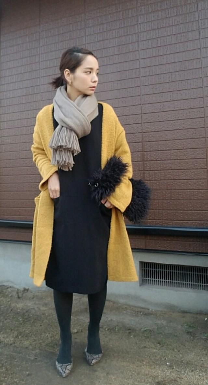 【休日】洗練された休日スタイルは、鮮やかな色合わせで楽しむ