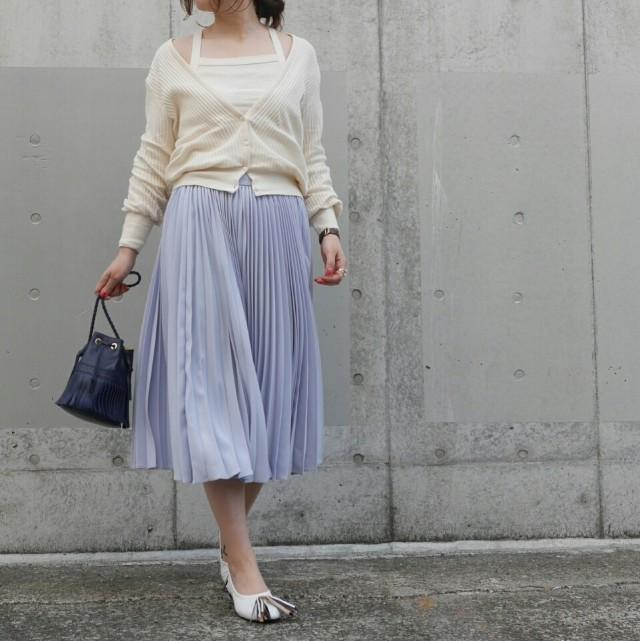 30代の大人女子にぴったり! キレイ色プリーツスカートの華やぎコーデ
